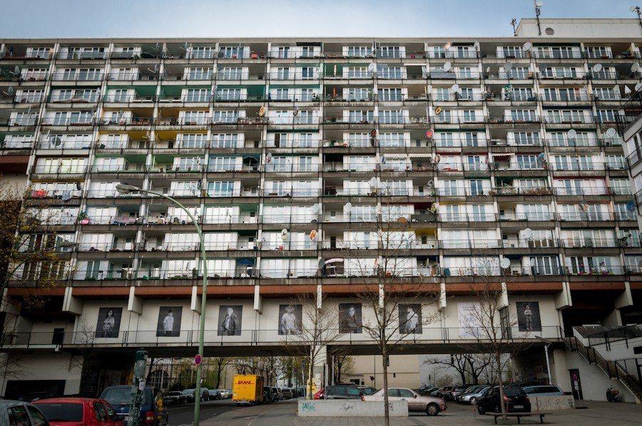 即使當前的德國聯邦政府只是要擴大補助社會住宅,補助的預算至少都必須增加至目前的3...