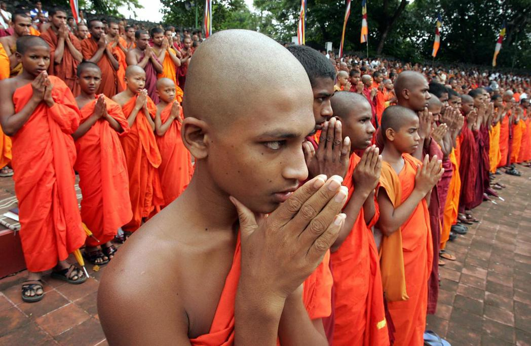 斯里蘭卡過去透過暹羅 (現在的泰國) 僧團的協助,重建了島上的佛教秩序。圖為斯里...