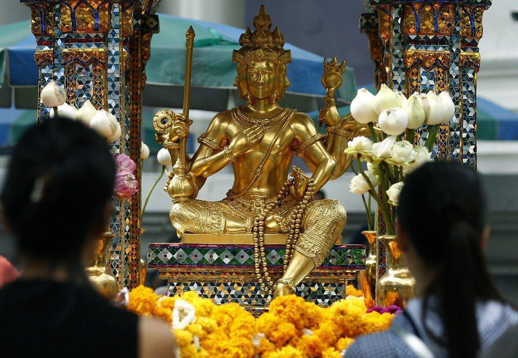 泰國著名的四面佛其實源於婆羅門教,許多儀式也融入了泰國佛教當中。 圖/歐新社