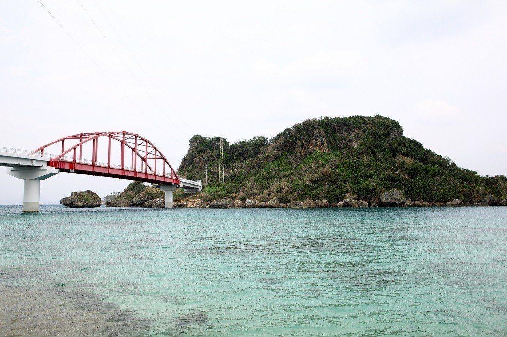 ▲沖繩伊計大橋。(圖/© Okinawa Convention&Visitors...