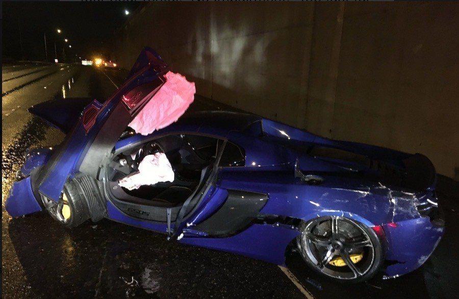 撞毀的McLaren 650S。 摘自Twitter@wspd2pio