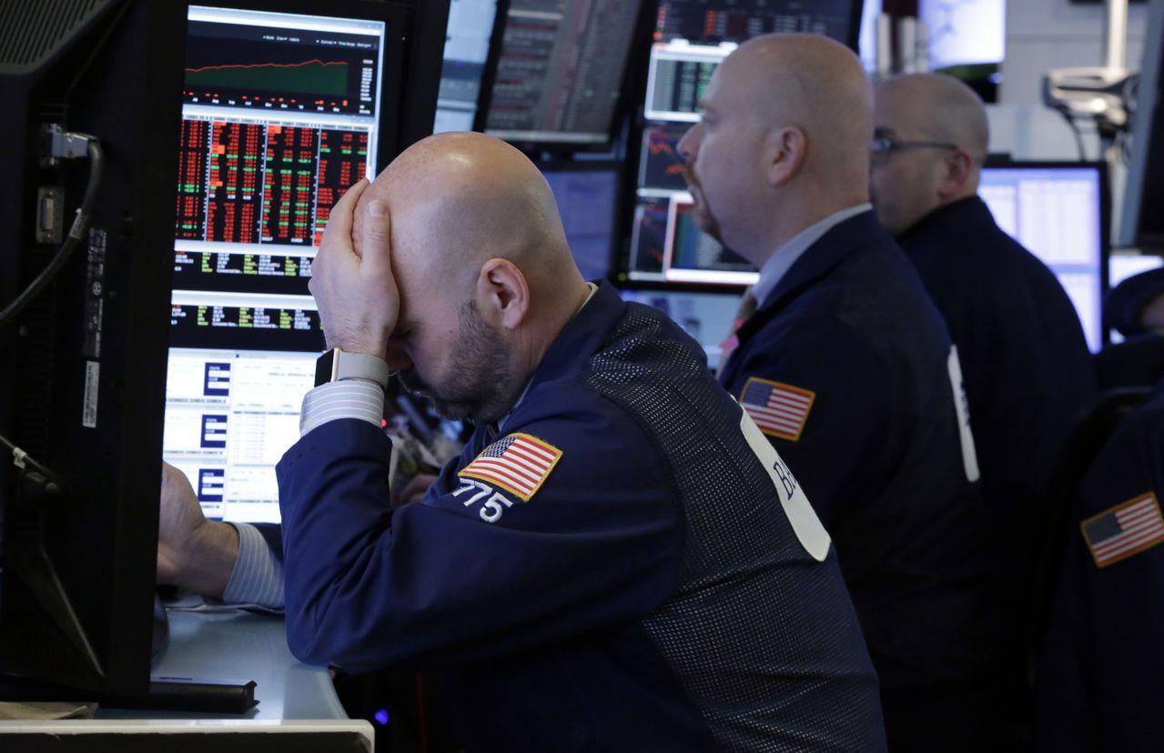 美股上周五繼續重挫,亞股今天開盤難有起色。美聯社