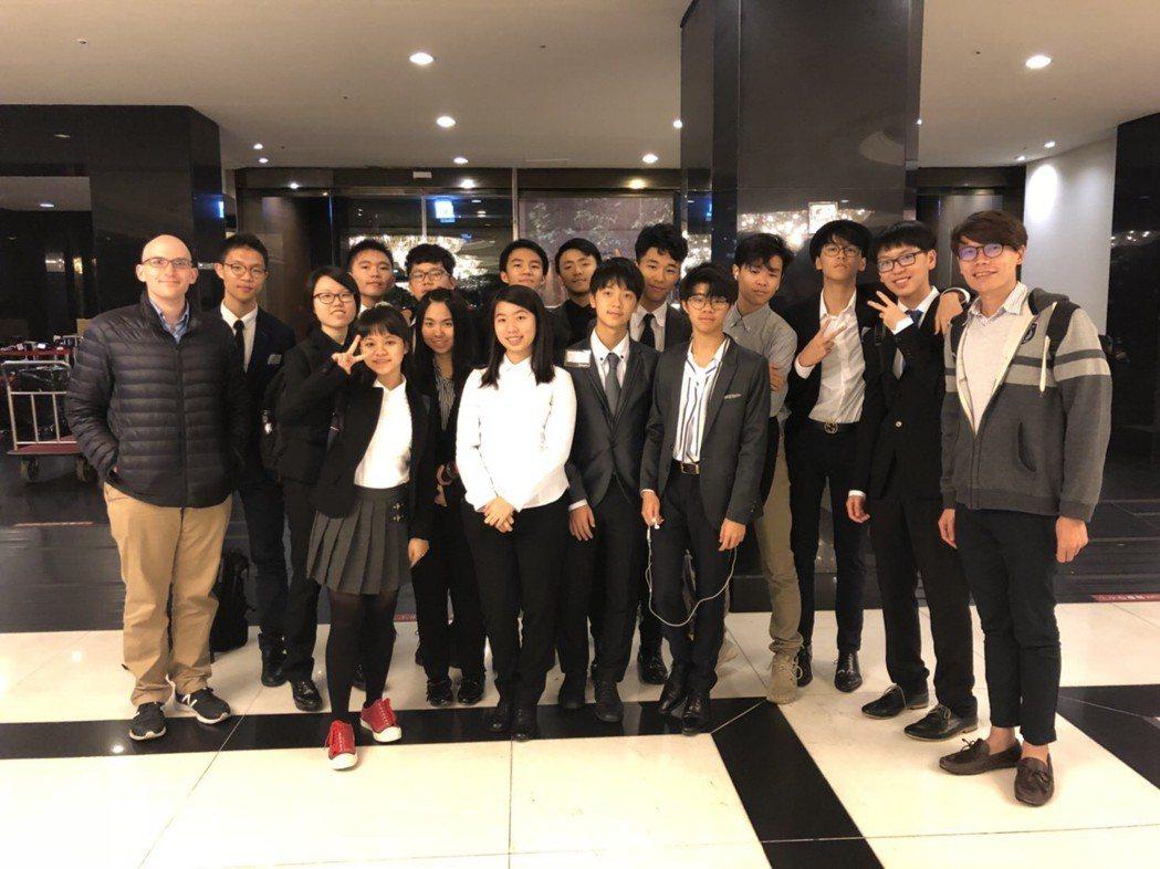 2018耶魯大學模擬聯合國會議台灣站日前落幕,台中市明道中學有13名學生參加。圖...