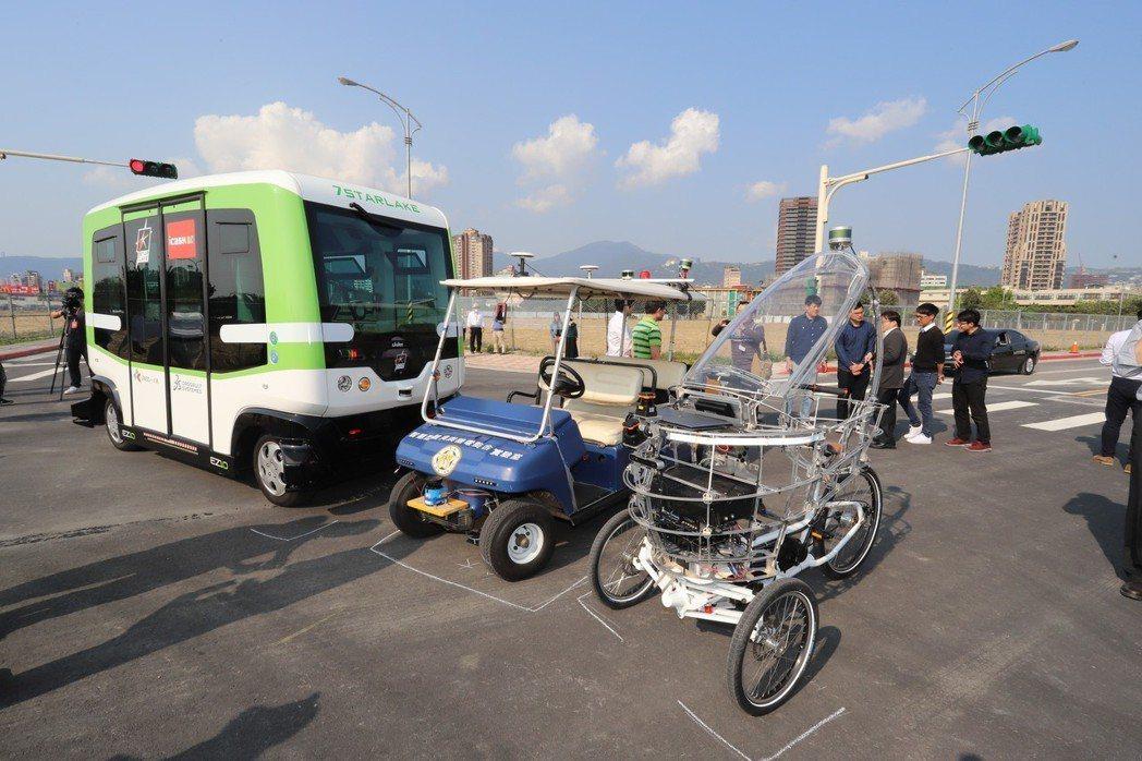 來真的!台北市無人車最快第三季上路。 彭子豪/攝影
