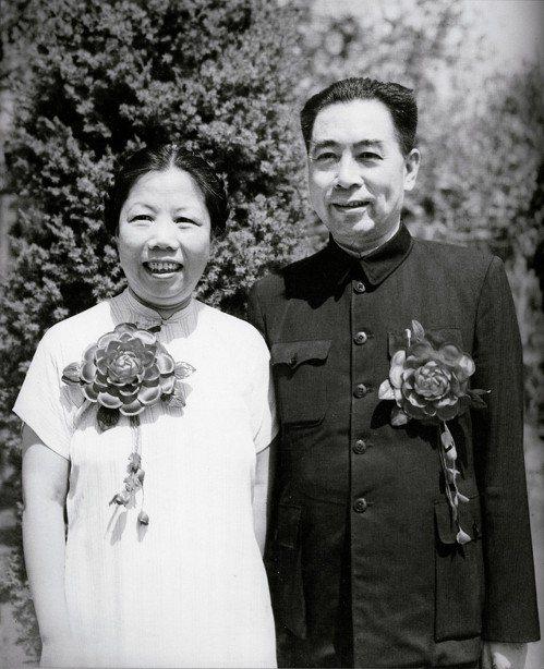 中新周刊:我的伯伯和七媽