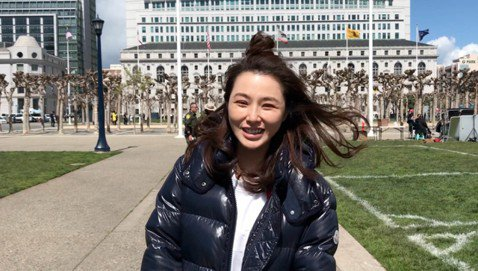 獲Netflix支持、台灣高規格製作的雙城故事劇組今天在舊金山市議會廣場取景,吸引來自世界各地的居民參與演出。導演葉天倫籌備3年的雙城故事是台灣原創電視劇,預計今年6月播出。劇情描述居住在舊金山和台...