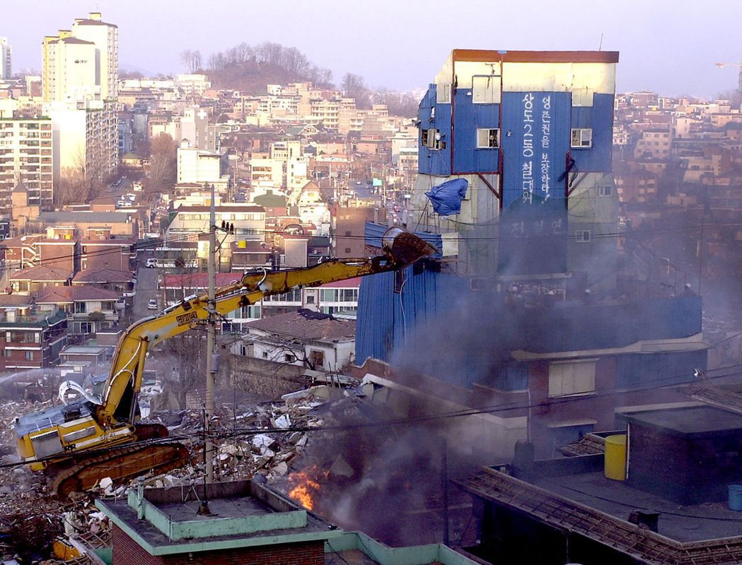 南韓本身又存在著極為嚴重的炒房現象,造成平民買房困難,並延伸出居住正義問題。 圖...