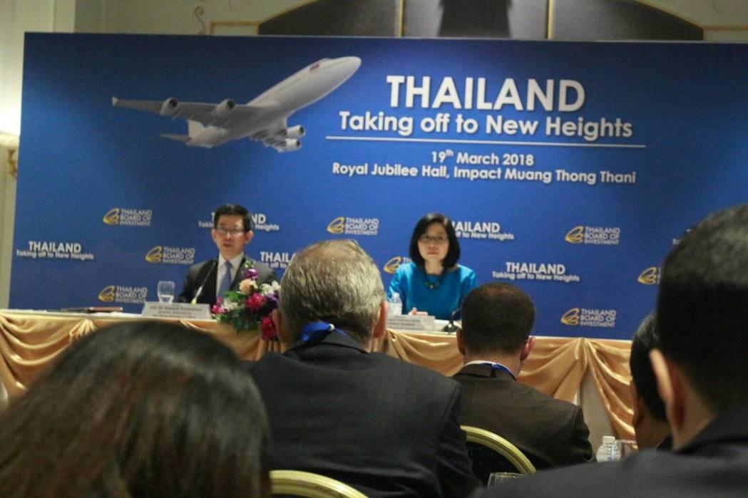 泰國投資促進委員會日前舉辦「泰國經濟起飛」投資論壇。泰國總理室部長Kobsak ...