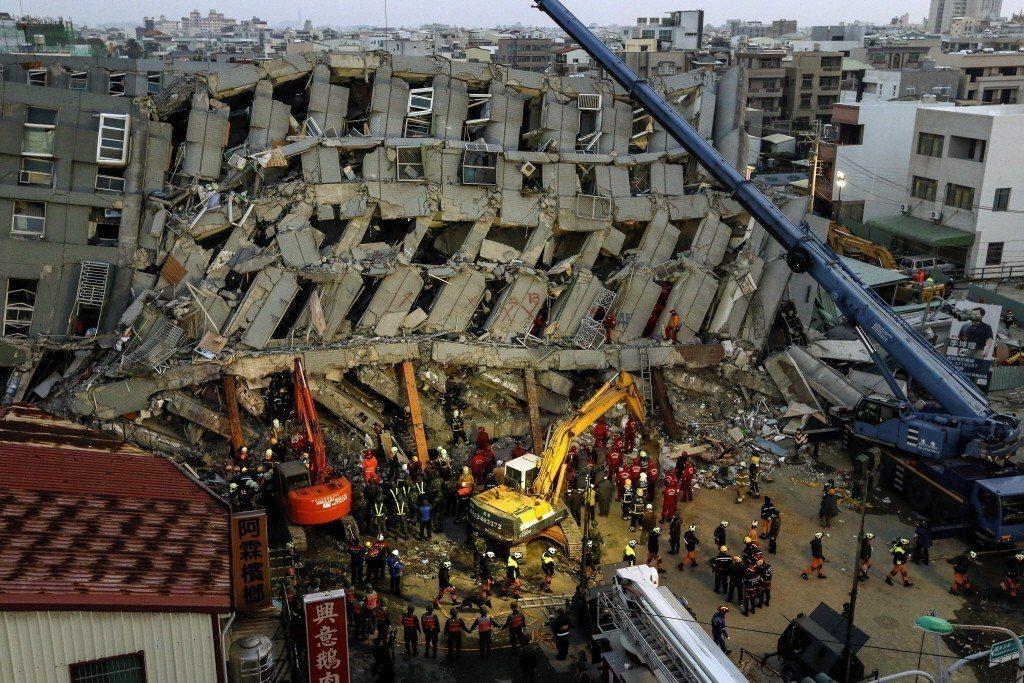 台南的維冠大樓案件在刑事究責上,包括建商林明輝、建築師與結構技師等五名被告日前二...