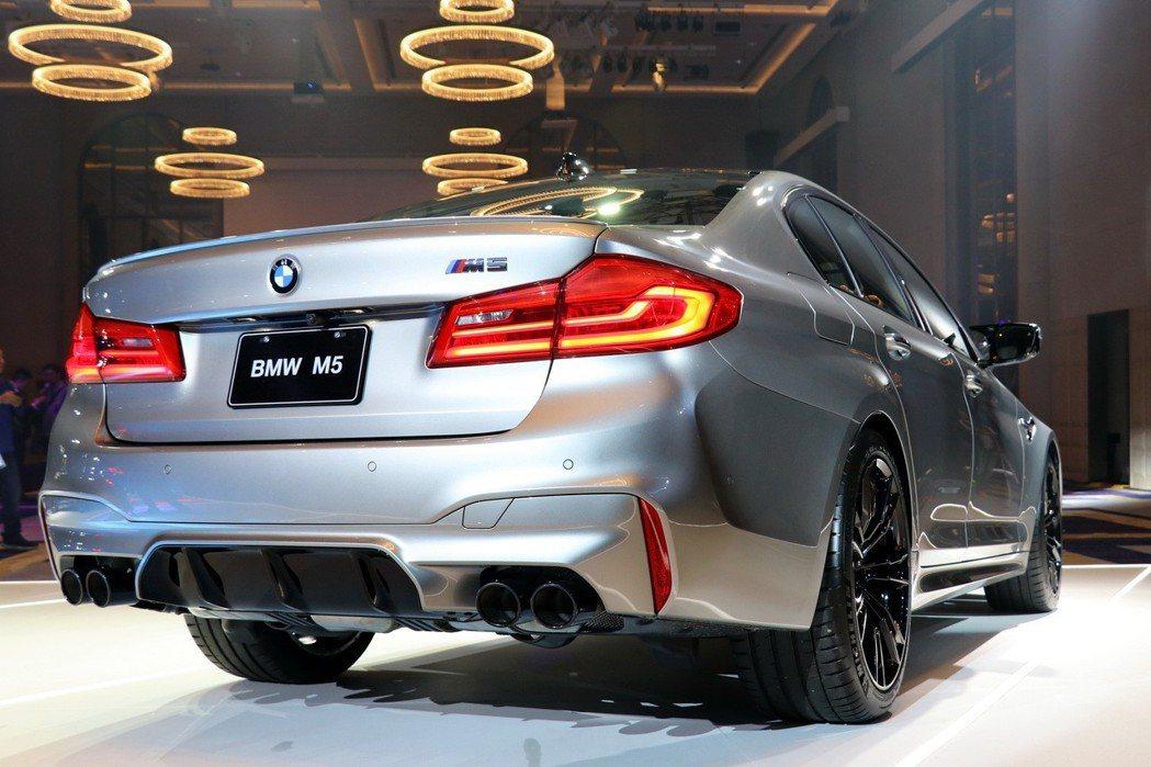 BMW M5擁有兼具戰鬥感及優雅大器的外型。 記者陳威任/攝影