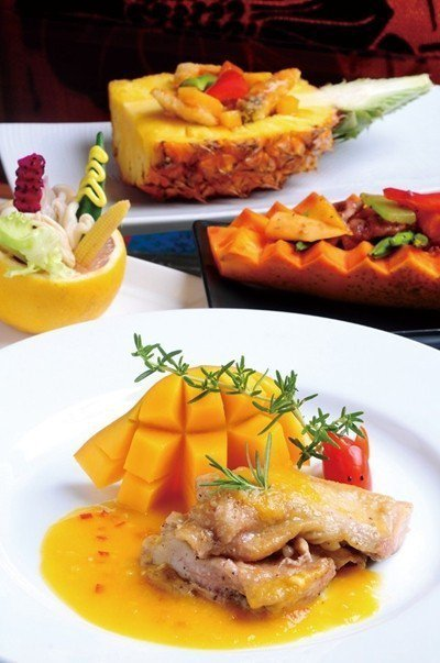 店內為無菜單式的餐點,道道令人驚艷,視覺與味覺兼俱,為味蕾新鮮感受。