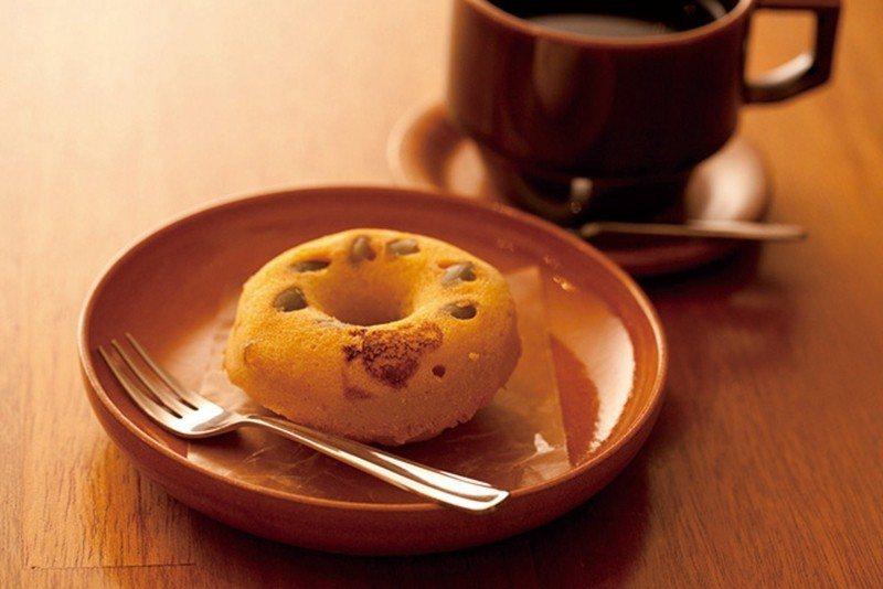 每月變換口味的豆渣甜甜圈(¥160)可搭配咖啡享用,圖為楓糖南瓜風味。