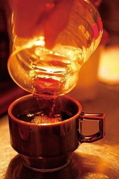 ブレンドコーヒー(特調咖啡)¥400/香味濃厚的特調咖啡,從風味溫和到苦澀都能依...