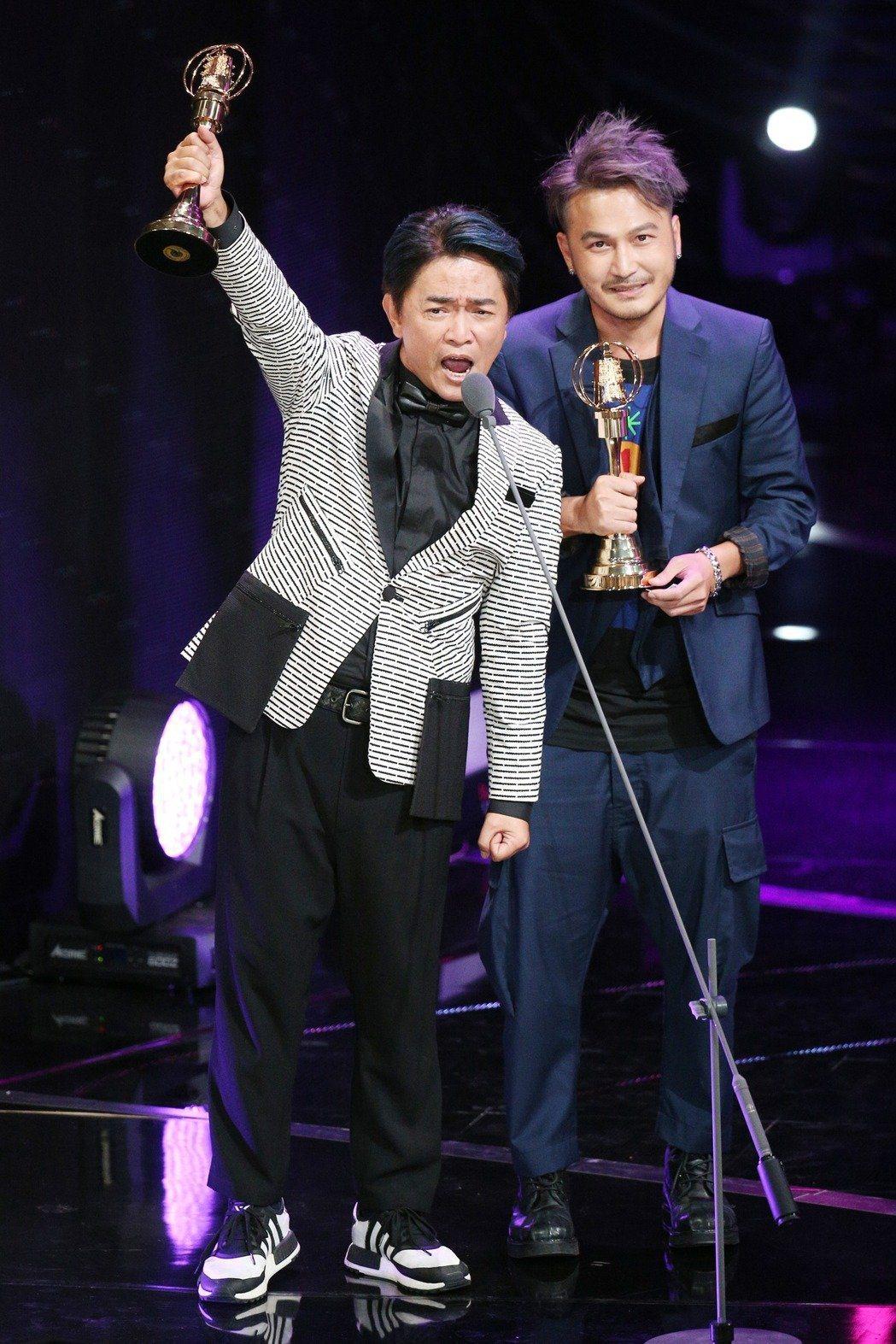吳宗憲(左)、KID靠「玩很大」奪下52屆金鐘。本報資料照