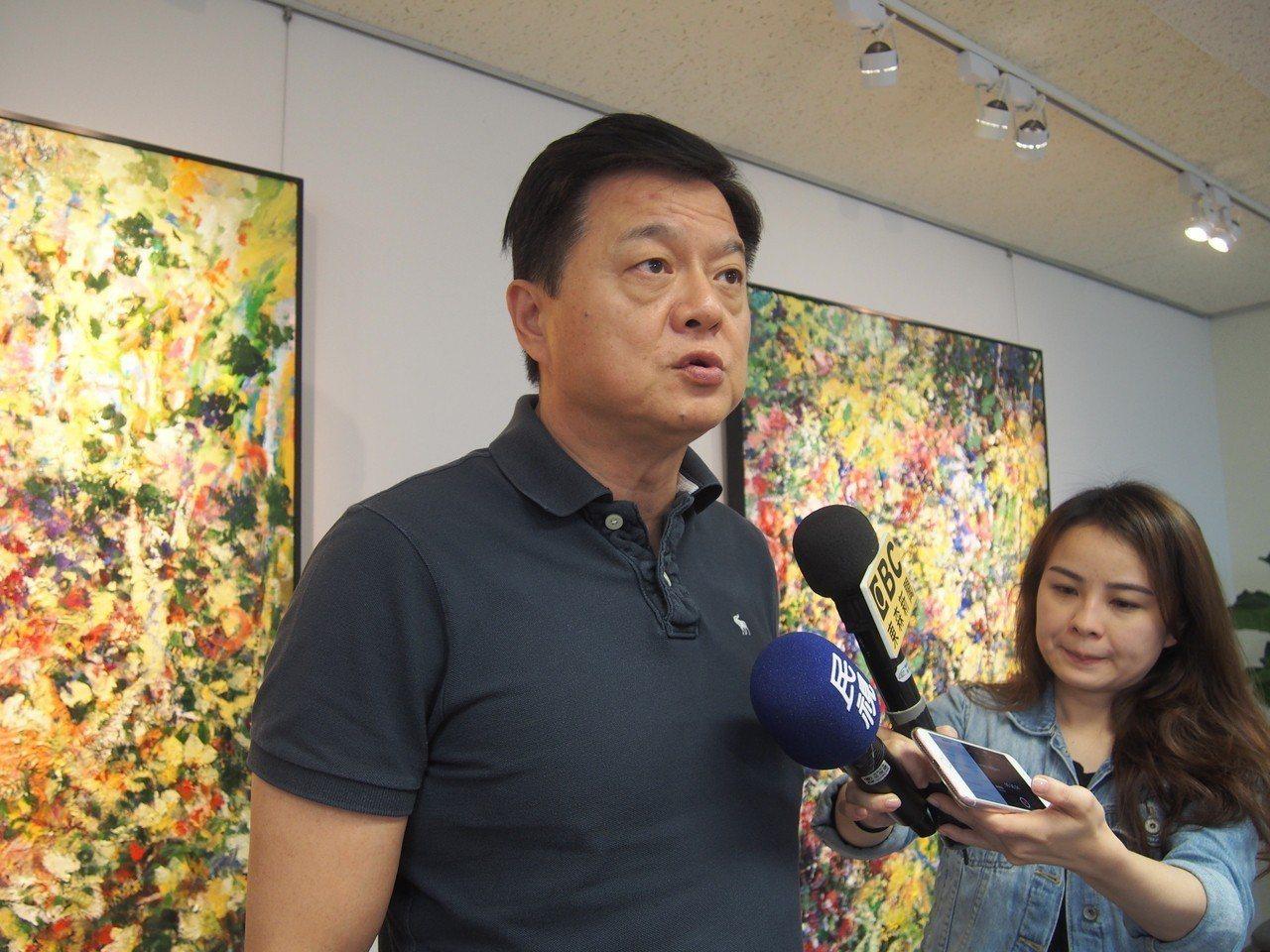 爭取國民黨新北市長提名的周錫瑋今表示,中央要管地方政府去大陸講什麼、做什麼,困難...