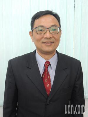 羅東鎮代會主席今天補選,最後由國民黨籍代表何建東出任。記者張芮瑜/攝影