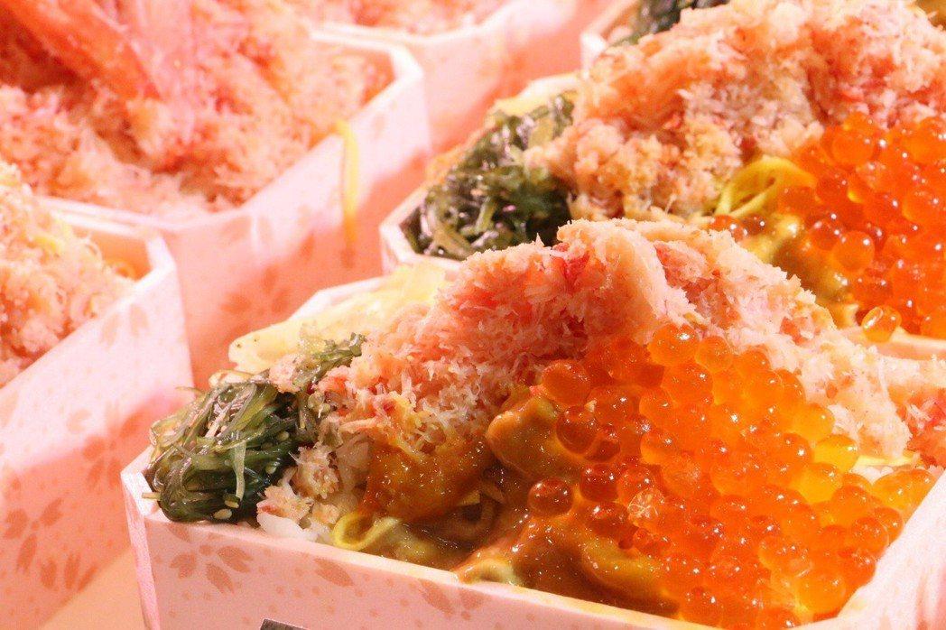 鮭魚卵便當。記者謝欣倫/攝影