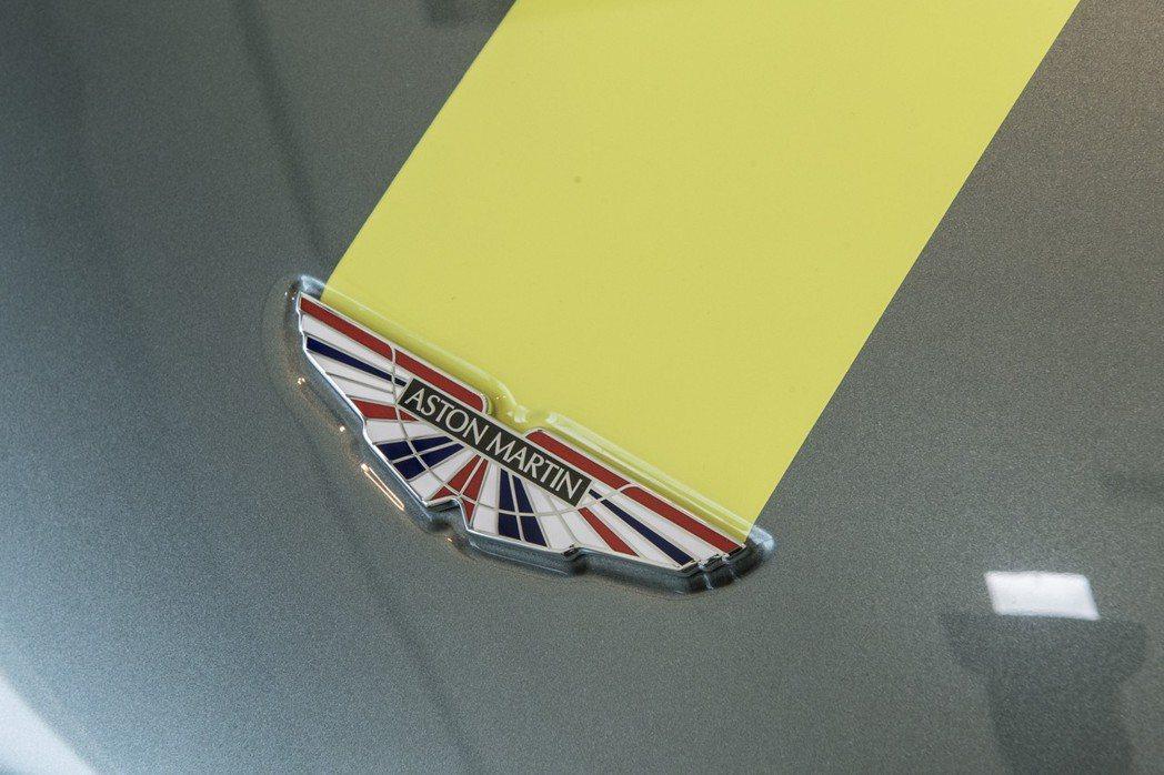 AMR車型專屬銘牌,彰顯其收藏價值。圖/永三汽車提供