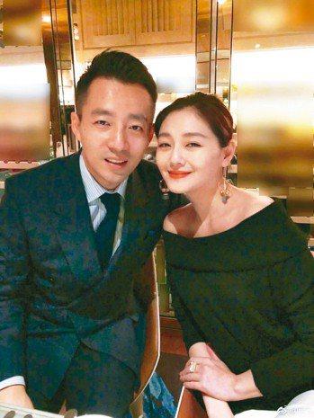 大S(右)最近瘦身有成,卻驚傳昏倒,左為老公汪小菲。 圖/摘自臉書
