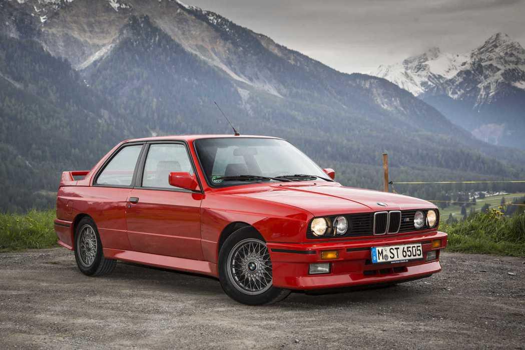 BMW E30 M3。 摘自BIMMERtips