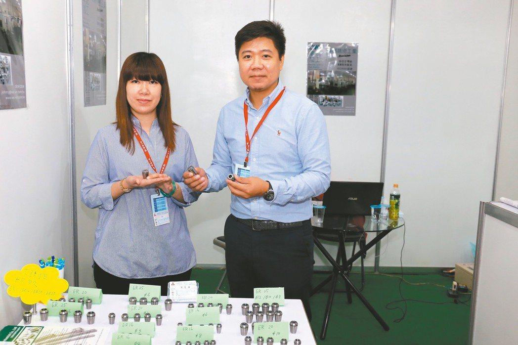瑋鑫精密工業公司總經理謝志強(右)。 黃奇鐘/攝影