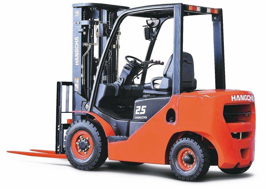 東奕代理杭叉XF系列1至3.5噸內燃堆高機。 東奕精密/提供