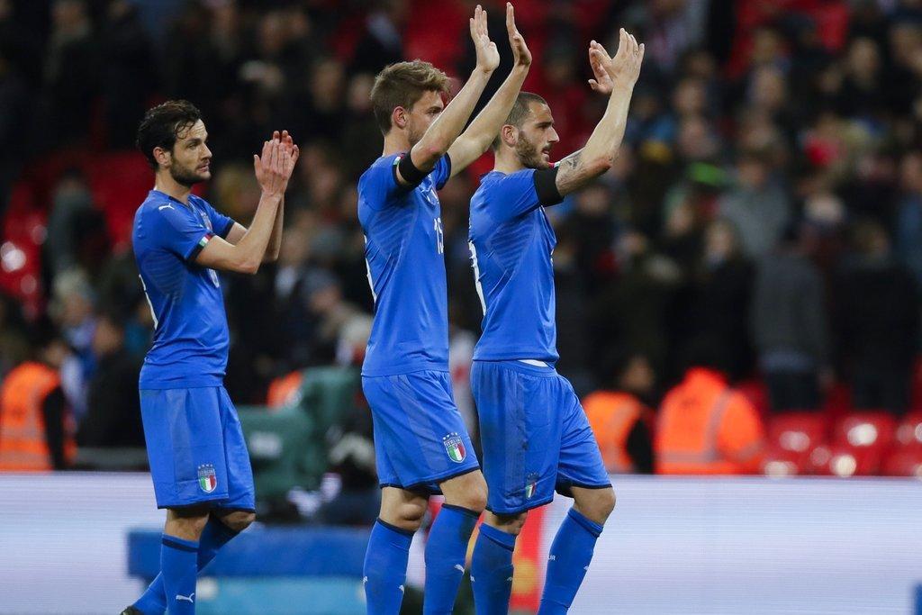 義大利雖然無緣世足賽,但在熱身賽踢平英格蘭。 美聯社