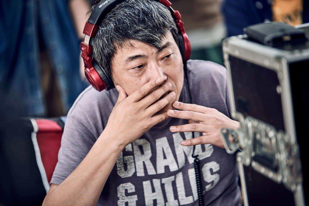 賴國安為台灣三十歲中堅世代男女,量身打造出一個極度傳統的、難以違背的家庭樣本,再殘忍地讓觀眾親眼見證它的難堪處境。 圖/海鵬影業提供