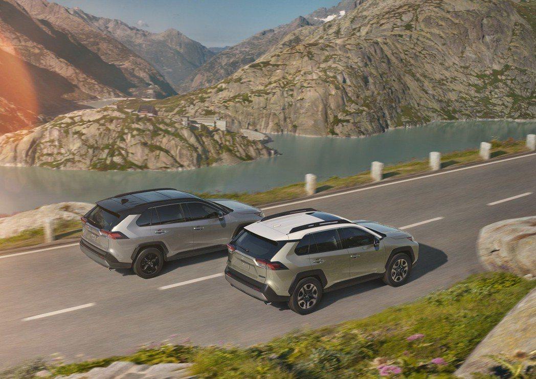 新世代Toyota RAV4也採用現今蔚為風潮的Two-Tone設計。 摘自Toyota
