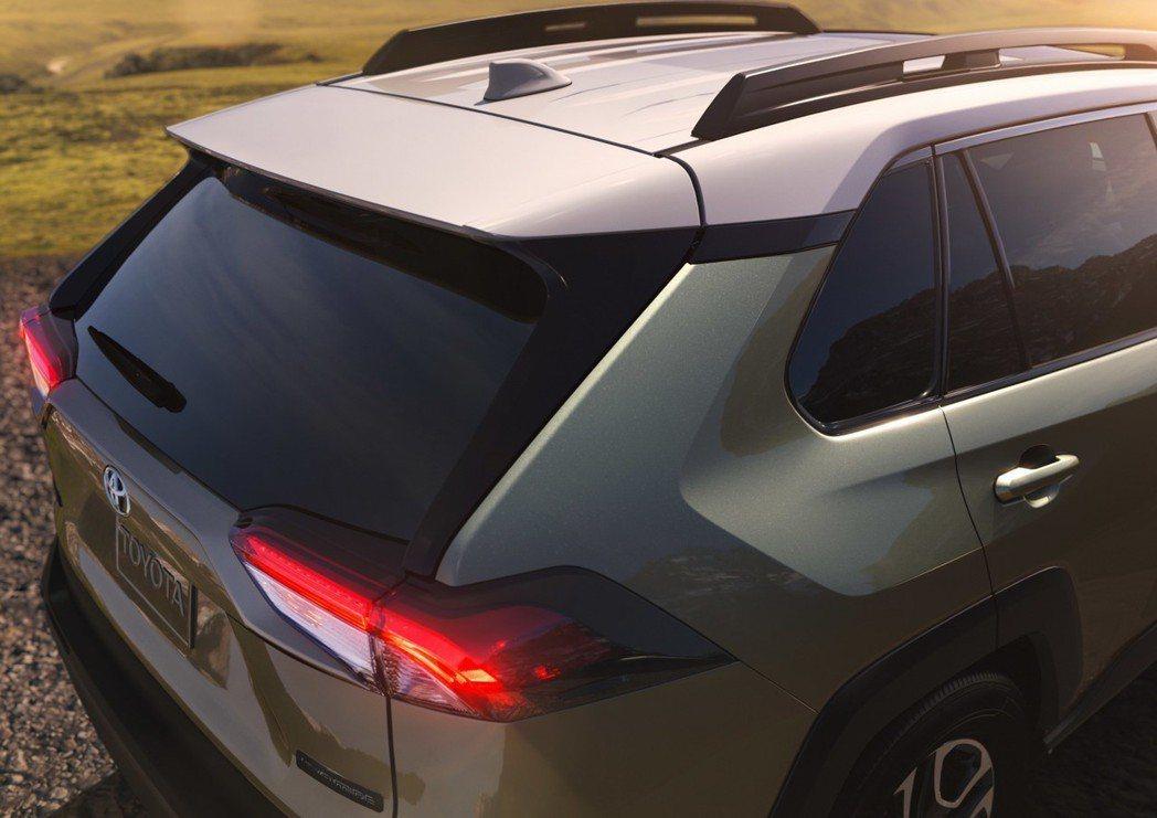 全新Toyota RAV4全車系標配8具輔助氣囊,並導入最新的Toyota Safety Sense 2.0。 摘自Toyota