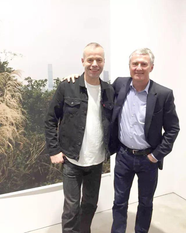 沃爾夫岡‧提爾曼斯與David Zwirner(右)