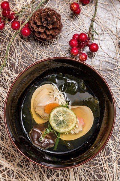 椀物「合合美美」,最能表現懷石料理的靈魂。