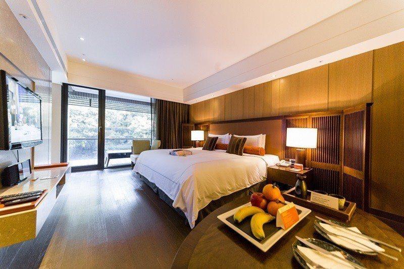 15坪寬敞空間的雅緻山景客房。