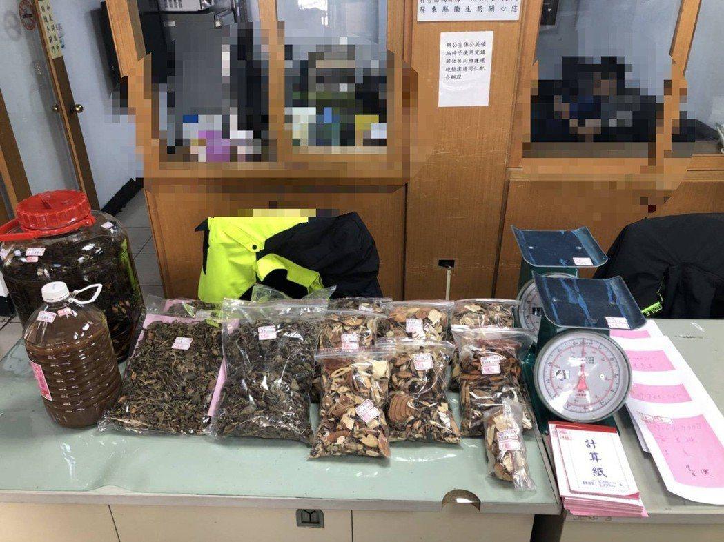 警方前往嫌犯執業處所搜索,當場人贓俱獲,查扣金線蓮、混合中藥材18袋及中藥酒2桶...