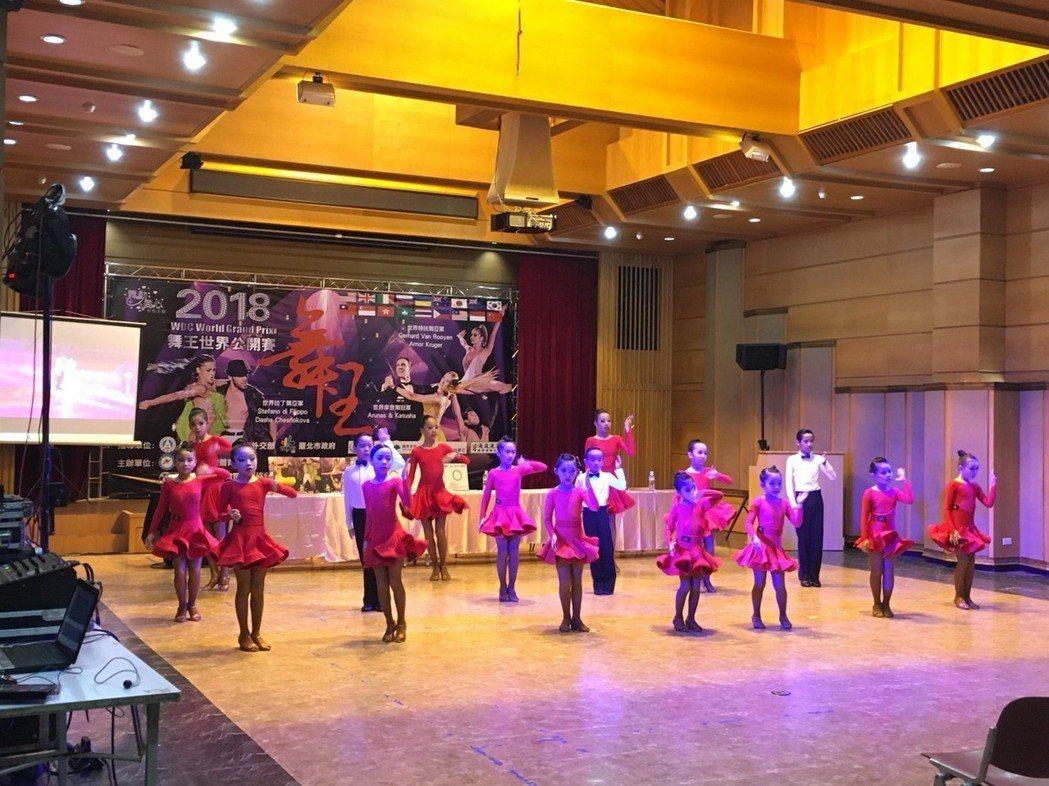 2018舞王世界公開賽今天舉行賽前記者會。 圖/台灣體育運動舞蹈發展協會