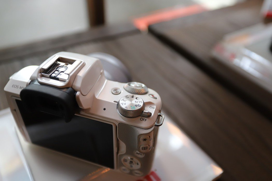 EOS M50介面多元但不複雜。 彭子豪/攝影