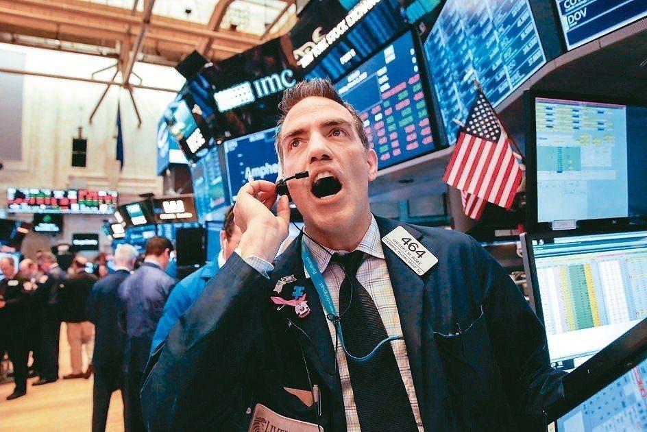 臉書、亞馬遜等美國大型科技股重挫,拖累全球股市。 路透