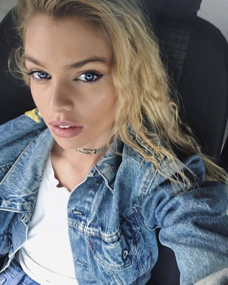 Stella Maxwell。圖/擷自instagram