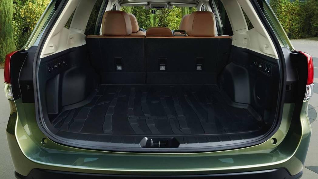 受惠SGP模組化底盤,行李箱容積也有所提升。 摘自Subaru