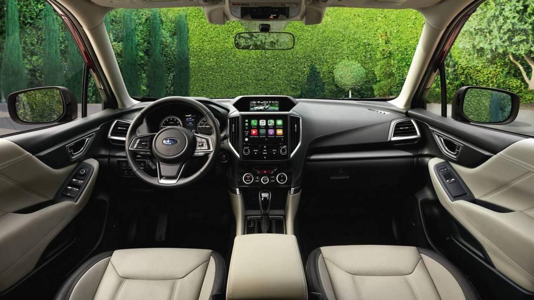 內裝完全改動,仍維持良好車室視野。 摘自Subaru