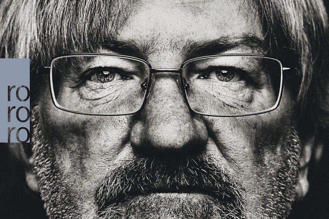 幾十年來遊蕩在街頭的無家可歸者布洛克斯(Richard Brox)寫了一本書,《...