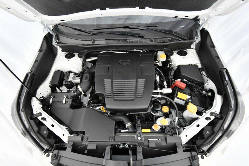 全新2.5L 四缸水平對臥自然進氣引擎,有著182hp、24.3kgm的動力輸出...