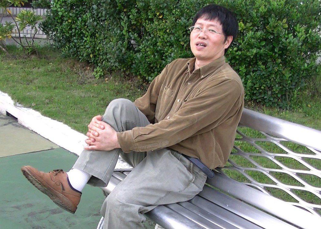 57歲血友病患林先生為了陪女兒逛街,決定接受雙側膝關節置換手術,如願找回健康雙腳...