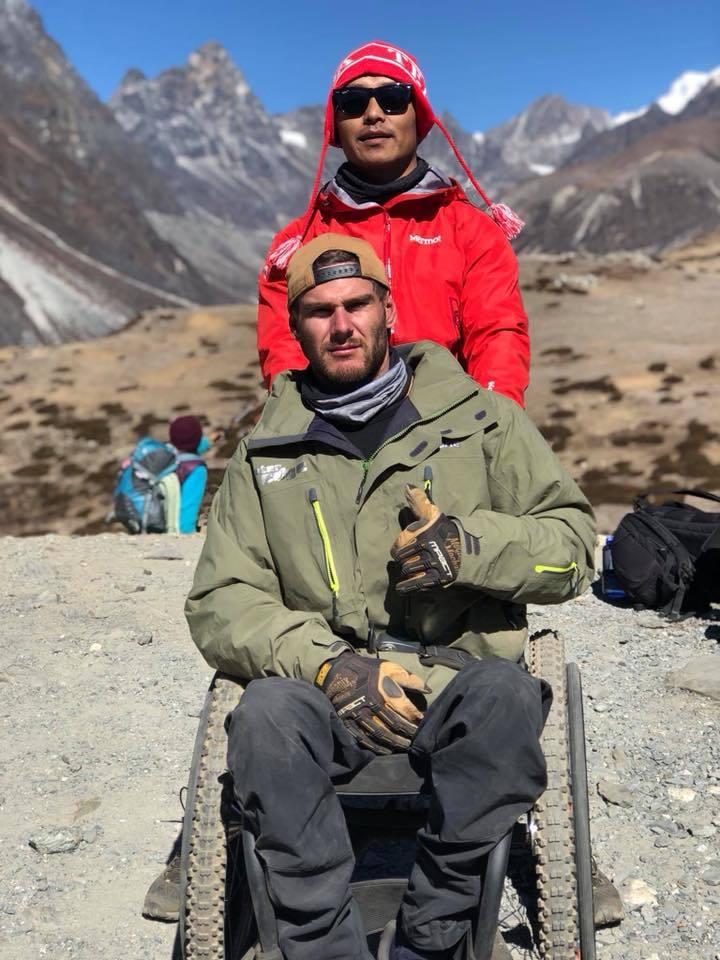 影/腿殘志不殘!澳洲輪椅男10天登上聖母峰基地營