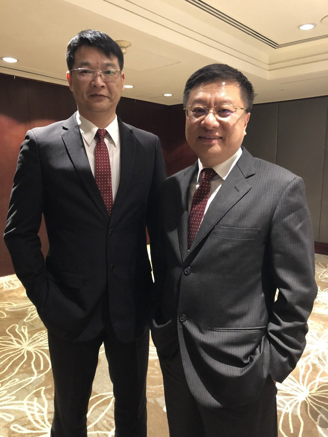 樺漢董事長朱復銓(右)與瑞祺電總經理洪德富。記者蕭君暉/攝影