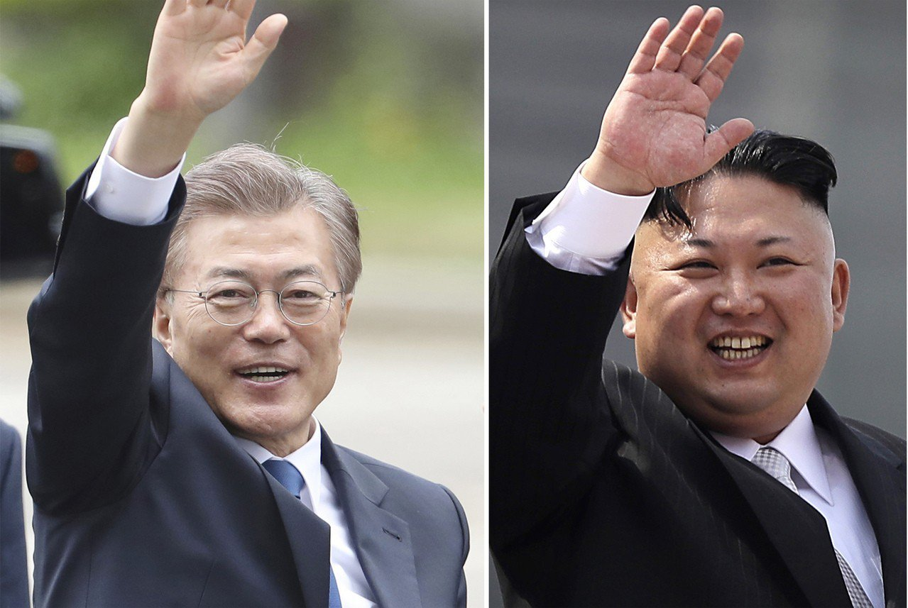 南韓總統文在寅(左)和北韓領導人金正恩(右)將在四月廿七日舉行兩韓第三次高峰會。...