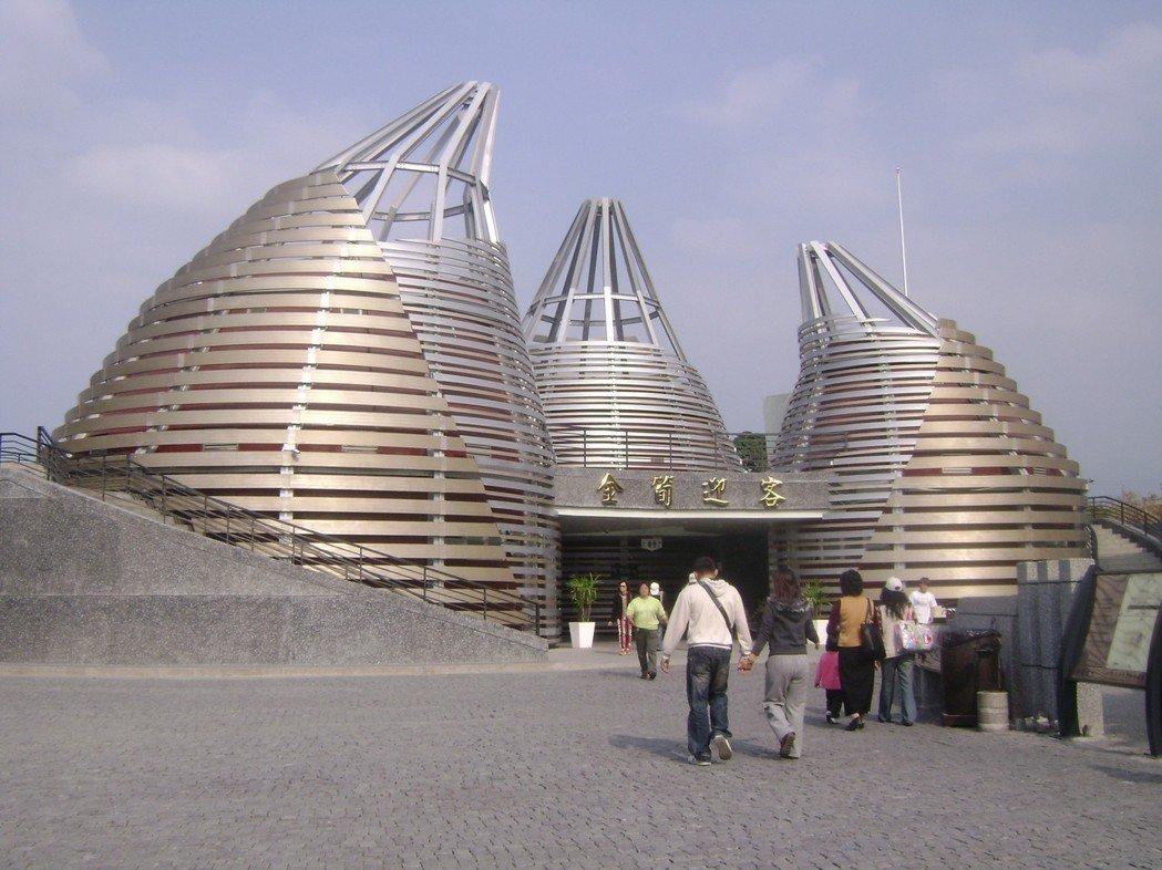 紫南宮的七星級廁所,竹筍外觀的造型,吸引不少觀光客。 圖/聯合報系資料照片