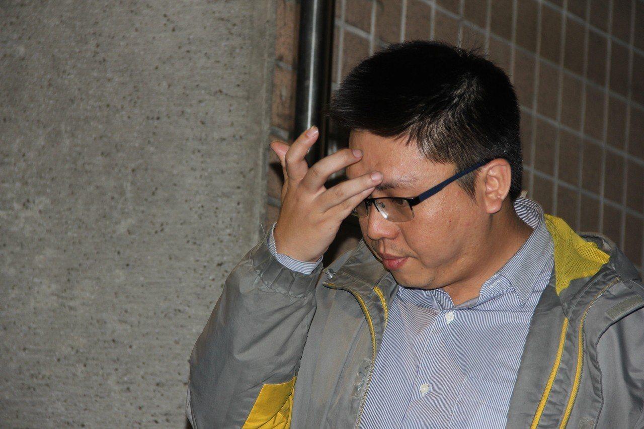 台灣宅經濟商務股份有限公司許姓負責人,深夜以8萬元交保。記者陳俊智/攝影