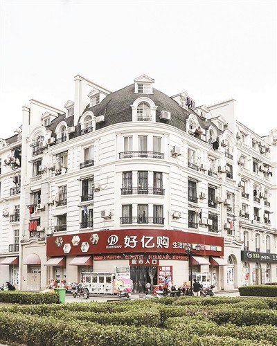 「把整座巴黎搬到杭州」 大陸山寨小鎮讓法國攝影師看傻圖片來源/每日頭條