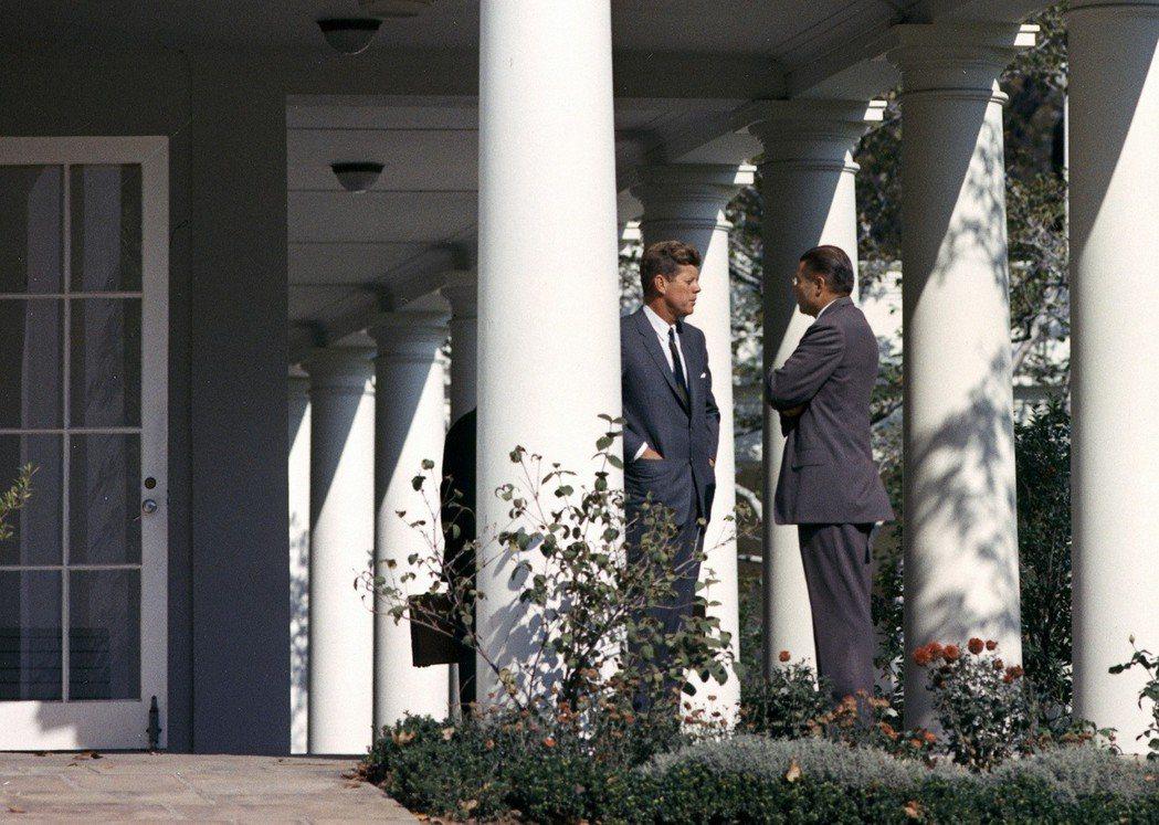 「保密程度之高,可能是那些消息靈通的人士,像記者或國會議員無法想像的。」圖為甘迺...